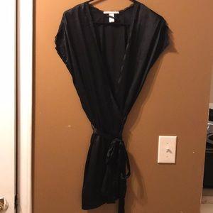 NWOT Victoria's Secret short robe